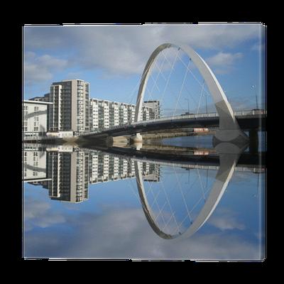 Cuadro en Lienzo Nuevo puente reflejado en el río Clyde Glasgow ...