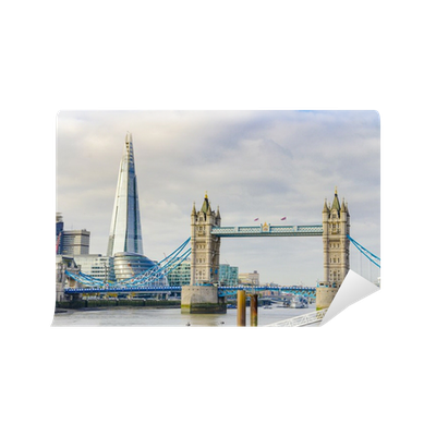 fototapete die scherbe und der tower bridge auf der themse in london uk pixers wir leben. Black Bedroom Furniture Sets. Home Design Ideas