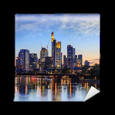 fototapete skyline von frankfurt deutschland pixers wir leben um zu ver ndern. Black Bedroom Furniture Sets. Home Design Ideas