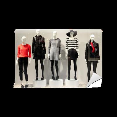 11fd8f706933 Fototapeta Figuríny v obchod s oblečením • Pixers® • Žijeme pro změnu