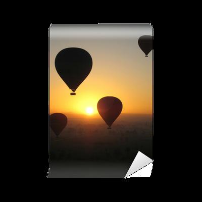 papier peint montgolfi re au lever du soleil pixers nous vivons pour changer. Black Bedroom Furniture Sets. Home Design Ideas