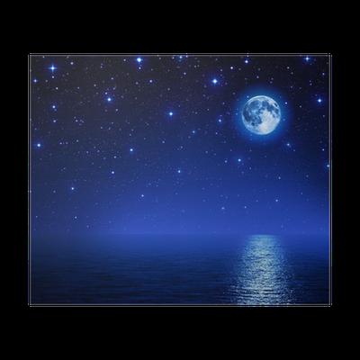 poster superbe lune dans le ciel toil sur mer pixers nous vivons pour changer. Black Bedroom Furniture Sets. Home Design Ideas