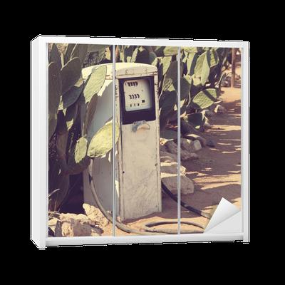 Sticker pour armoire Pompe à essence • Pixers® - Nous vivons pour changer