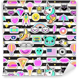 Måttanpassad vinyltapet Mode chic lappar, stift, märken och klistermärken sömlösa mönster