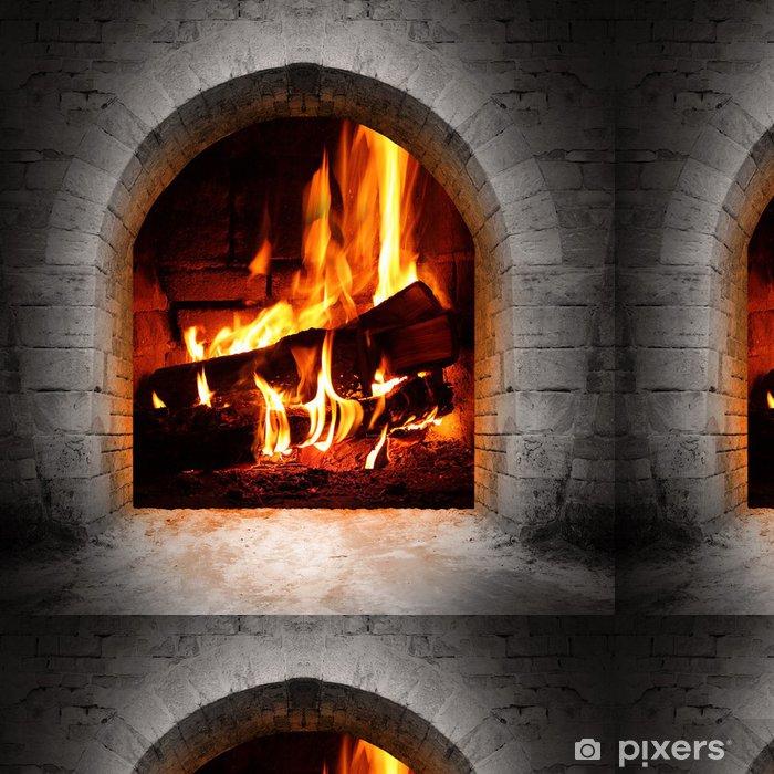 Vinyltapete Weinlese-Kamin mit brennenden Holzscheite. - Kamin