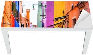Adesivo per Tavolo & Scrivania Strada colorato a Burano, vicino a Venezia, Italia