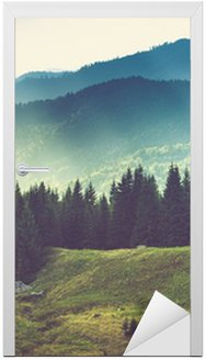 Adesivo de Porta Bela paisagem da montanha do verão