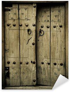 Pixerstick Aufkleber Close-up Bild der alten Türen