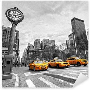 Pixerstick Aufkleber Gelbe Taxis auf einer New Yorker Straße