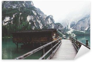 Pixerstick Aufkleber Holzsteg am Pragser See mit Bergen und trees__