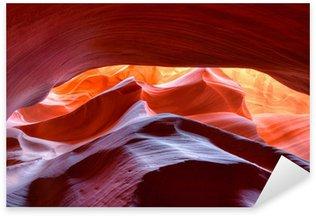 Pixerstick Aufkleber Lebendigen Farben der erodierten Sandsteinfelsen in Slot Canyon, Antilope