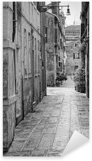 Pixerstick Aufkleber Schmale Gasse in Venedig, Italien