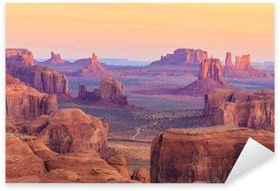 Pixerstick Aufkleber Sonnenaufgang in Hunts Mesa im Monument Valley, Arizona, USA