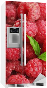 Autocolante para Frigorífico ripe raspberries background.with mint