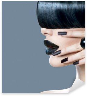 Autocolante Pixerstick Retrato da forma do modelo alto da menina com estilo de cabelo moderno