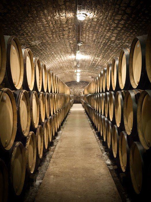 Pixerstick na Wszystko Beczki w piwnicy winiarskiej - Style