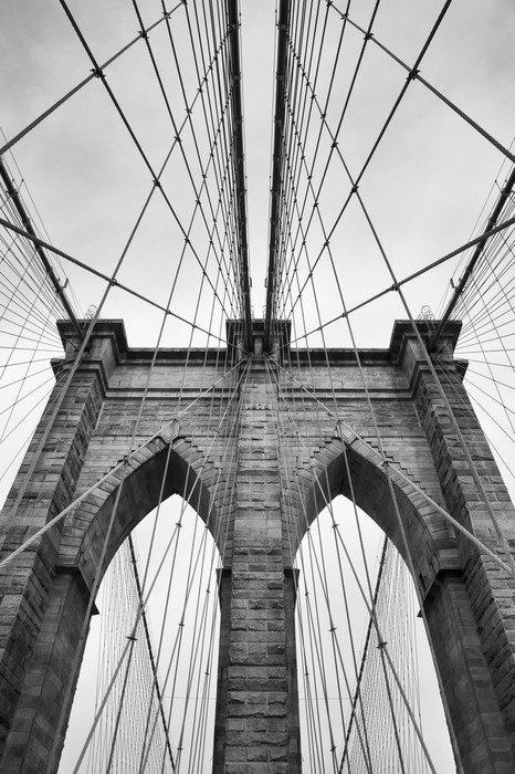Naklejka na Drzwi Brooklyn Bridge New York City bliska detal architektoniczny w ponadczasowej czerni i bieli - Podróże