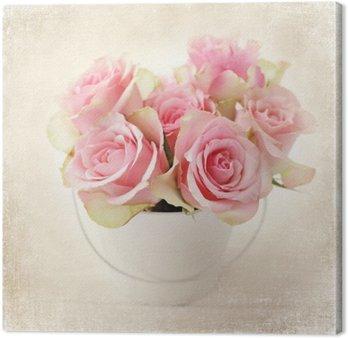 Canvas Bloemen. roze rozen in een vaas