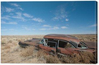 Canvas Oude verroeste auto in het midden van woestijn van New Mexico