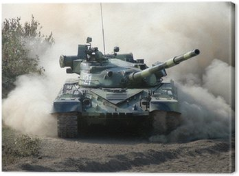 Война. Танк в движении