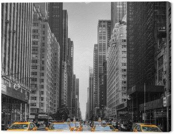 Avenue avec des taxis à New York. Canvas Print