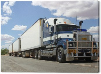 Ein sogenannter Roadtrain im Outback, Australien