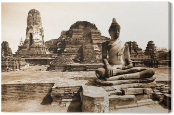Monuments of buddah, ruins of Ayutthaya, old capital of Thailand