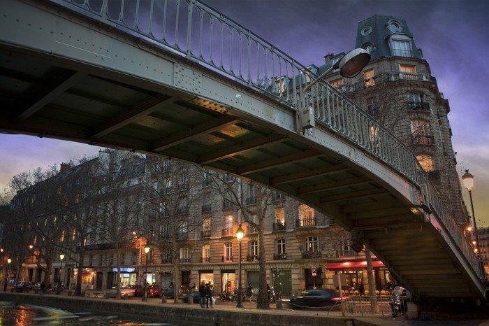 Canvas Print Passerelle au canal st martin - Paris - France - European Cities