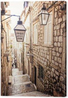 Canvastavla Branta trappor och smal gata i gamla stan i Dubrovnik