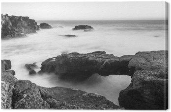 Canvastavla En stenbro till havet