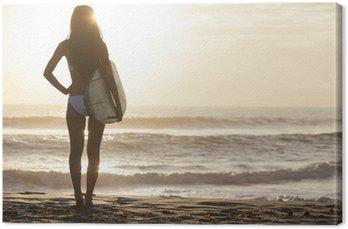 Canvastavla Kvinna Bikini Surfer & surfingbräda Sunset Beach