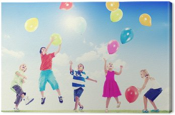 Canvastavla Multi-etniska barn som leker utomhus med ballonger