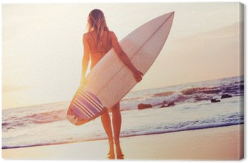 Canvastavla Surfer flicka på stranden i solnedgången