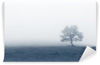 Carta da Parati in Vinile Albero solitario con la nebbia