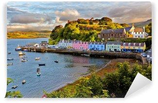 Carta da Parati Autoadesiva Visualizzare su Portree, Isola di Skye, Scozia