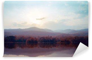 Carta da Parati in Vinile Paesaggio di montagna lago in autunno - stili d'epoca.