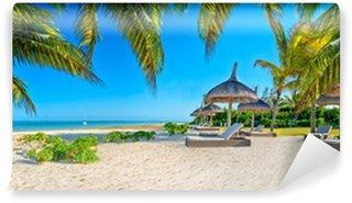 Carta da Parati in Vinile Paradise beach con palme e ombrellone