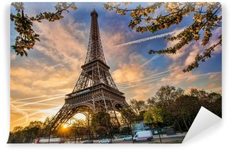 Carta da Parati in Vinile Torre Eiffel contro il sorgere del sole a Parigi, Francia