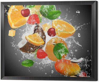 Cuadro Enmarcado Frutas con salpicaduras de agua