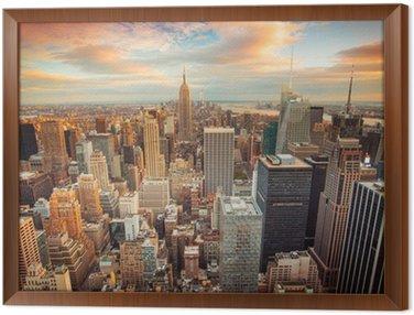 Cuadro Enmarcado Vista del atardecer de la ciudad de Nueva York con vistas a Manhattan