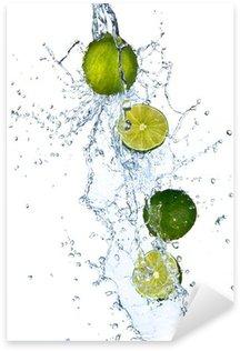 Pixerstick till Allt Färsk lime med vattenstänk, isolerade på vit bakgrund