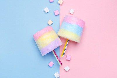 Pixerstick till Allt Flerfärgad Sockervadd. Pastell marshmallows. Minimalistisk stil. pastellfärgad bakgrund