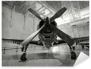 Pixerstick Dekor Gamla flygplan i en hangar