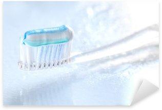 Pixerstick Dekor Sqweezed tandborste på vit bakgrund