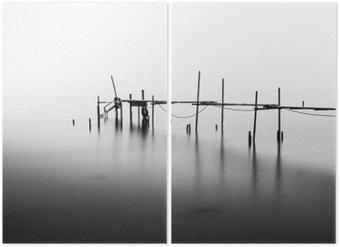 Diptychon Eine Langzeitbelichtung eines zerstörten Pier in der Mitte der Sea.Processed in B