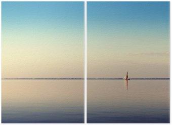 Diptyque Paysage de l'eau avec du blanc voilier sur les eaux calmes à la lumière du coucher du soleil. Photos Toned et de traitement.