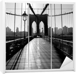 Dolap Çıkartması Brooklyn Köprüsü, Manhattan, New York, ABD