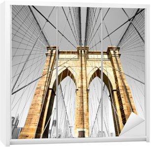 Dolap Çıkartması Brooklyn köprüsü, New York. AMERİKA BİRLEŞİK DEVLETLERİ.