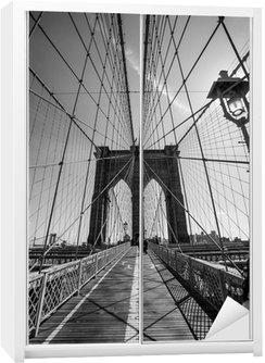 Dolap Çıkartması Brooklyn Köprüsü siyah ve beyaz