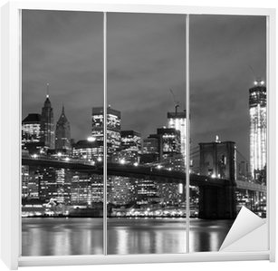 Dolap Çıkartması Brooklyn Köprüsü ve Gece Manhattan Skyline, New York